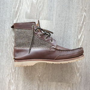 Quoddy Grizzly Boot brown with tweed finishes.